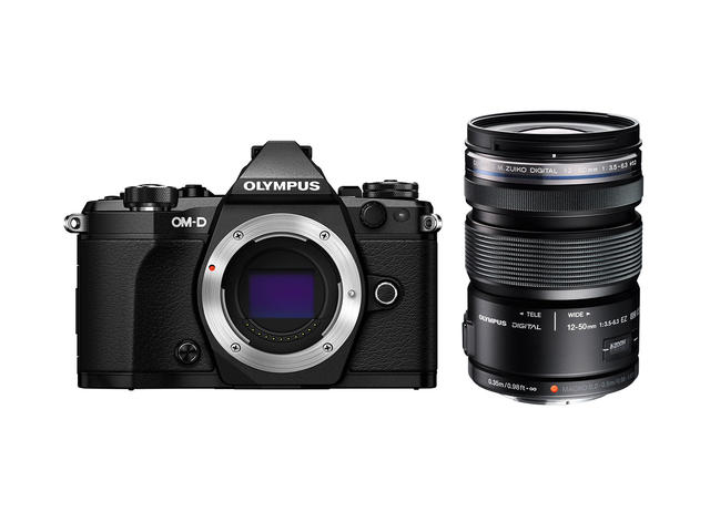 Mirrorless Olympus OM-D E-M5 Mark II с 12-50mm f/3.5-6.3 EZ